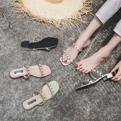 2020 Nuevo Verano Sexy Zapato abierto bajo tacón sandalias de cabeza cuadrada zapatillas zapatos de moda mujer mujeres zapatillas con una palabra de la uña de Sauce