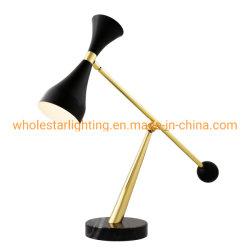 Ajustable de la lámpara de escritorio de metal, la lectura de la Lámpara con base de mármol (DMS-821)