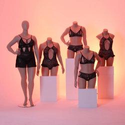 サイズのランジェリーの表示のためのメスの胴のマネキンとセクシーな脂肪質の女性の胴
