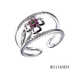 운이 좋은 4 잎 거여목  CZ 꽃 열려있는 반지를 가진 은