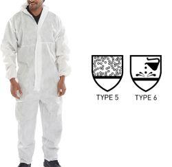 Goedkoop Wit Type Met een kap 5 6 van Bluk van de Overtrekken van het Asbest van de Schilders van de Verf van Workwear van het Werk van de Veiligheid van het Polypropyleen SMS van pp Microporous Niet-geweven Beschikbaar Chemisch Beschermend
