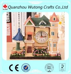 Modelo de casa de resina artesanato personalizado com Relógio Decoração