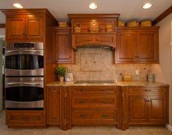 使用された塗られた固体チェリーの木製の食器棚を放しなさい