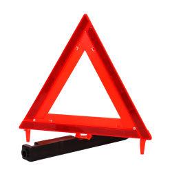 교통 안전 비상사태 공구 차는 사려깊은 삼각형 경고 표시를 분해한다
