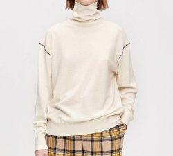Цветные Turtleneck свитер