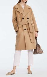 Cappotto del tasto della mano protettiva delle donne del cappotto del pisello delle lane con la cinghia
