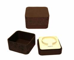 보석함을%s 채우는 서류상 물자와 아트지 유형 자석 반지 상자 패킹 보석 면