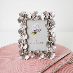 ローズの白い花の水晶ホーム装飾の写真フレーム