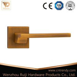 Bien la vente de café mat levier plat en alliage de zinc sur la poignée de porte plaque carrée (Z6232)