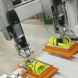 Машины с помощью отвертки винт для установки цифровой фотокамеры /видео