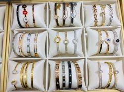 Modedesign Armband Edelstahl Buchstaben Berühmte Frauen Schmuck Geschenk Markenwinkel