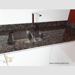 목욕탕 상단 또는 Ktichen/Worktop/Vaniti 상단 또는 커피용 탁자를 위한 아름다운 Polished Prefabricated 발트 해 브라운 화강암 싱크대