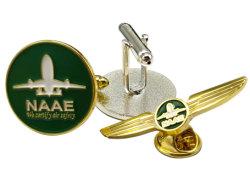 La Chine de gros bateaux en métal argenté d'or l'homme Shirt Brassard lien bouton Uniforme de travail de la décoration d'insignes de l'emblème du moule de fournitures d'avion personnalisé Barre de raccordement avec le logo