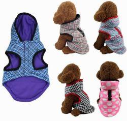 Gli accessori dell'animale domestico copre i vestiti dell'animale domestico del cane dei prodotti del cappotto dei rifornimenti