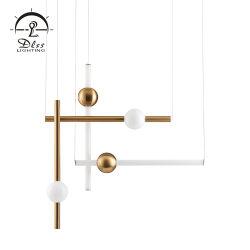簡単な様式の白い金の鉄の管のガラス玉のシャンデリアのペンダントライト