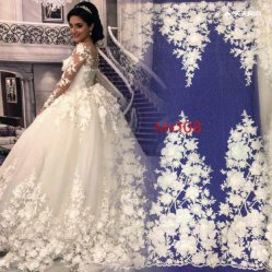 Lovely 3D Flower Design Embroidery Fabric for Wedding Dress Symmetry Pattern