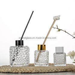 装飾的なガラスビンが付いている50mlによって浮彫りにされる立方体の香りのリード拡散器