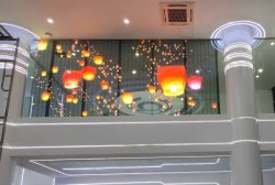 Для использования вне помещений цветной4.8/10 P3.9/P4/P14.2/P16 прозрачных/стекла/окна/шторки светодиодный экран видео/Вход/Настенный светодиодный индикатор на размещение рекламы