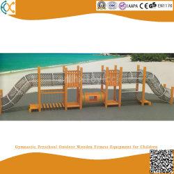 Strumentazione di legno esterna prescolare relativa alla ginnastica di forma fisica per i bambini