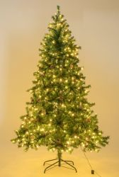 Árvores de Natal Artificiais decorados com cones de pinheiros e Frutos Vermelhos Prelit