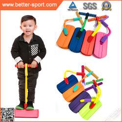 Ponticello del bastone di Pogo della gomma piuma per il regalo dei capretti per le ragazze ed i ragazzi che saltano i giocattoli, Stilts di salto