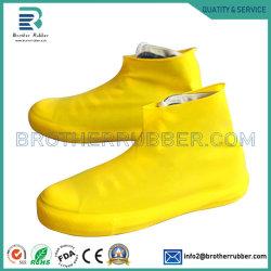 OEM/ODMは1つのペアの防水レインコートのシリコーンの靴カバー防水屋外のスリップ防止再使用可能なゴム製防水靴カバーを卸し売りする
