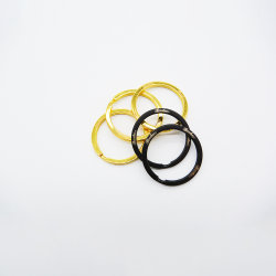 رسائل ليزر ترويجية باللون الأسود أو الذهبي بحجم 32 مم مفاتيح مسطحة حلقة