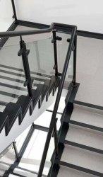 معدنية من الفولاذ المقاوم للصدأ الزجاج بلا إطار / سكة حديد يدوية / باليه سترايد للشرفة / الشرفة / السلم الداخلي / ستير بناء الجدار الحديدن من قبل مصنع الصين