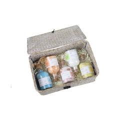 De gebemerkte Natuurlijke Flessen die van het Glas de Colorful Bath Salt SPA Reeks van de Gift verpakken