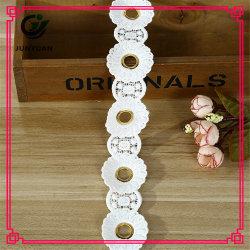 Il ricamo decorativo del poliestere di ultimo disegno progetta il merletto del fiore 3D