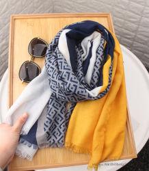 Sciarpa lunga stampata 100%Polyester leggera della sciarpa della molla delle signore
