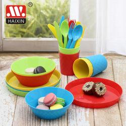 Gli articoli per la tavola di plastica hanno impostato con il piatto della ciotola del cucchiaio della forcella per i bambini
