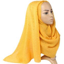 2020 La mujer de algodón barato Hijab musulmana de Malasia de colores sólidos bufanda chal ondulada