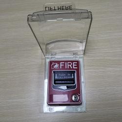 Knoop van het Brandalarm van de Wacht van de Post van de Trekkracht van de Drukknop van de noodsituatie de Hand met de Huisvesting/de Dekking van de Veiligheid
