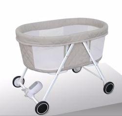 تصميم جديد قابل للطي كهربائيًا سرير أطفال قابل للطي بجانب السرير سرير مريح سرير للأطفال الرضع حديثي الولادة