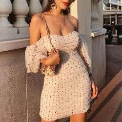 Les femmes élégantes Slim Fit col V mini robe Polka Dots court manchon élégant et décontracté de bouffée de robes de gaine
