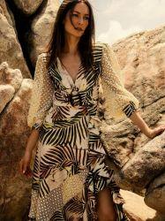 Spitze-Brust-Harz-Tasten-lange Hülsen-dünne Abbildung schmeichelhaftes einteiliges Badebekleidungs-Badeanzug-Strand-Kleid für Damen