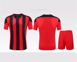 Conception la plus récente de la Malaisie jersey rayé authentiques maillots de football