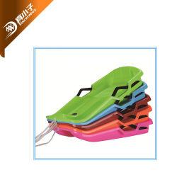 Commerce de gros en plastique de la neige Traîneau sur luge ski snowboard avec corde de sièges