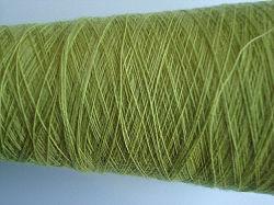 순수한 캐시미어 천 섬유에 의하여 염색되는 회전된 털실
