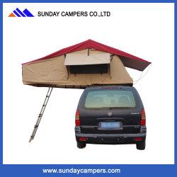 車の屋根のテントの二重寝袋