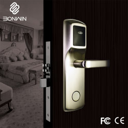 Fechadura de porta eletrônica de um graminho Hotel desbloqueado através do cartão, chave