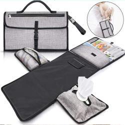 À prova de multifuncional dobrável das fraldas para bebés Fraldário Pad saco com uma toalha de papel para viagens