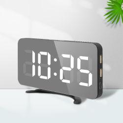 Amazon Hot la vente d'alarme électronique de bureau Horloge miroir avec fonction de rappel et deux connecteurs USB du chargeur de téléphone