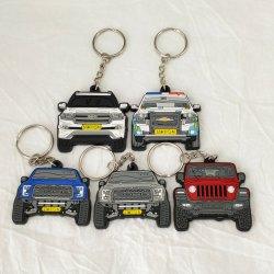 Fabricant de façon personnalisée Décoration trousseau de clés en plastique PVC voiture Toyota Logo personnalisé trousseau pour cadeau promotionnel