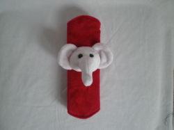 El Elefante de peluche la tapa del cinturón de seguridad