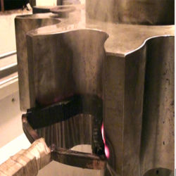 Зубья шестерни закалки промышленных индукционного нагрева машины расходные материалы