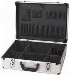 Caja de herramientas de aluminio con secciones separadas