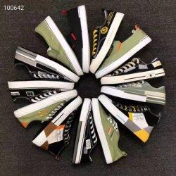 Stock Sneakers Stock Casual Shoes Canvas Sport gevulkaniseerde schoenen Spot Goederen