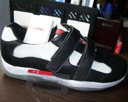 スポーツの靴(Prad-04)